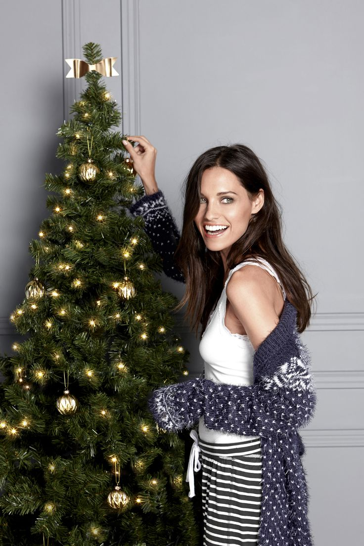 THE CHRISTMAS SHOP // HOLIDAY AT HOME