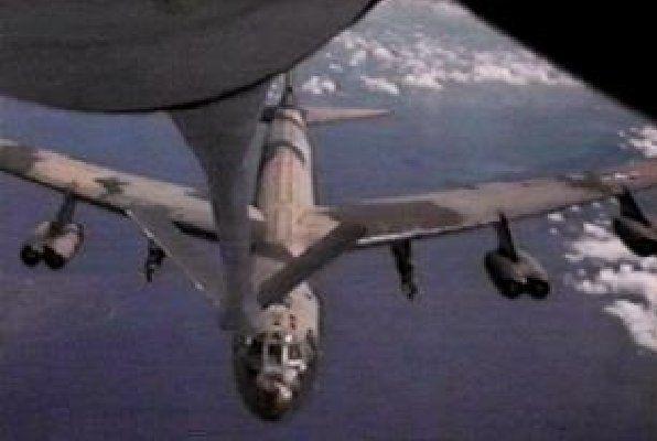 Boeing B52F   Conçu comme bombardier stratégique, le Boeing B-52 effectua surtout ...