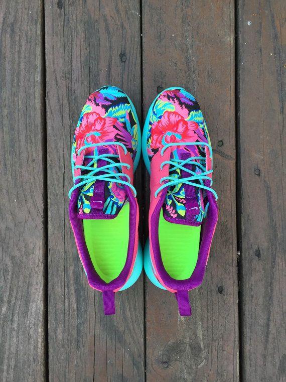 Custom Nike Roshe Run Hawaiian Floral by SKLCustomShoes on Etsy