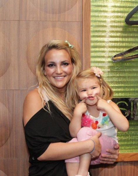 Jamie lynn spears (zoey) with her child