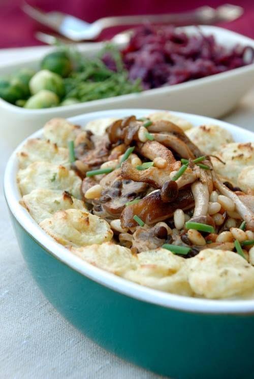 uno sformato gustoso e completo da un punto di vista nutrizionale: corona di #patate con #funghi, pinoli e #lenticchie di Puy...erba cipollina e  paprika dolce per renderlo ancora più appetitoso! #healthy #recipe