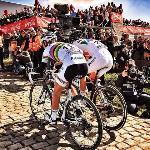 Pauline Ferrand Prevot & Lizzie Armitstead at the top of the Paterberg RVV 2015