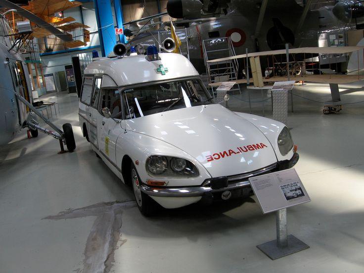 Vintage medical ambulances AUTRES VEHICULES OTHER