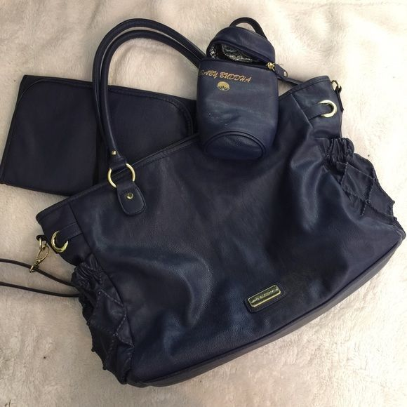 Big Buddha diaper bag Super cute diaper bag comes with changing pad and bottle holder it is super cute and great condition bundle for a better price!  ask any questions or for more pictures if interested Big Buddha Bags Baby Bags