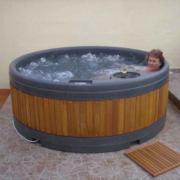 QuatroSpa Garden Hot Tub Thumnail #4