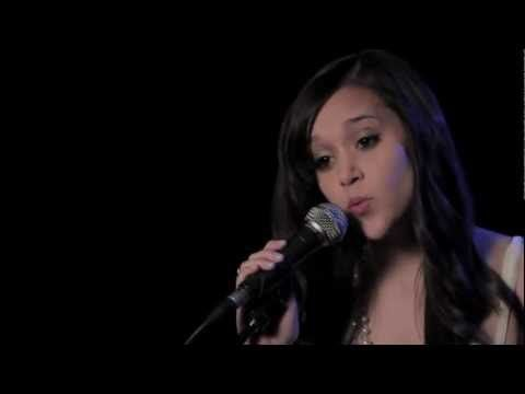 Call Me Maybe - Carly Rae Jepsen (cover) Megan Nicole amazing she sounds identical to carly rae jepson