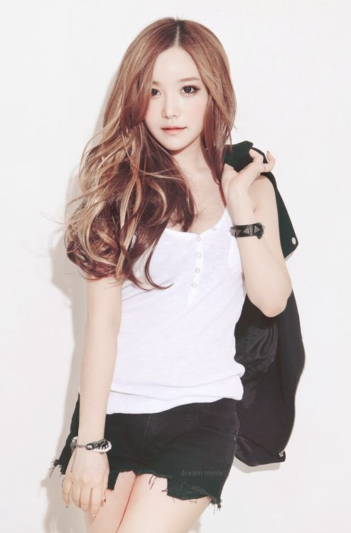 Hairstyle, hair color