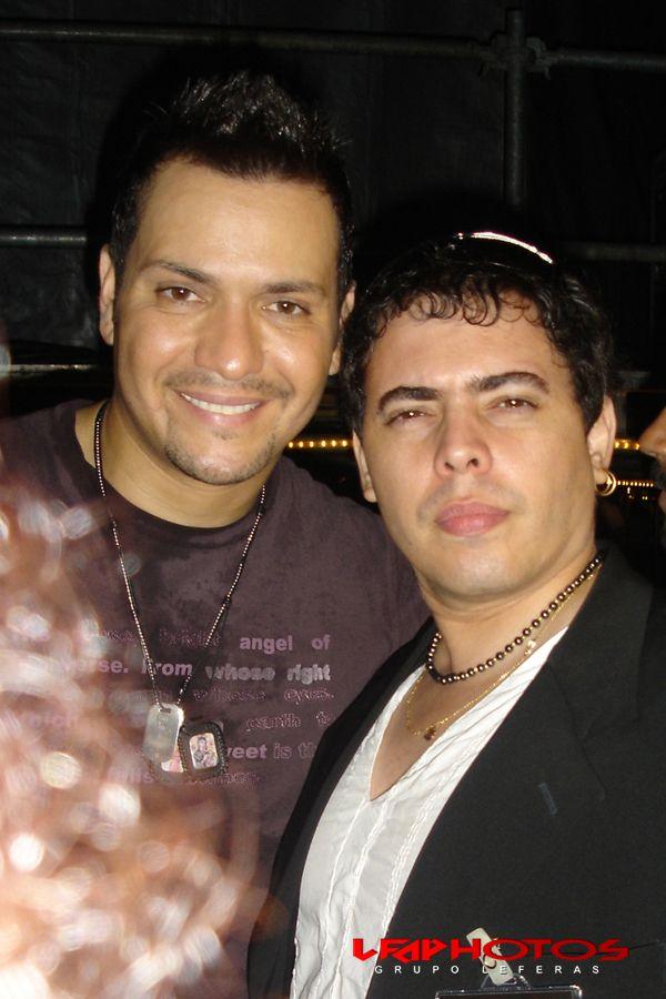 León Fernández™ & Victor Manuelle