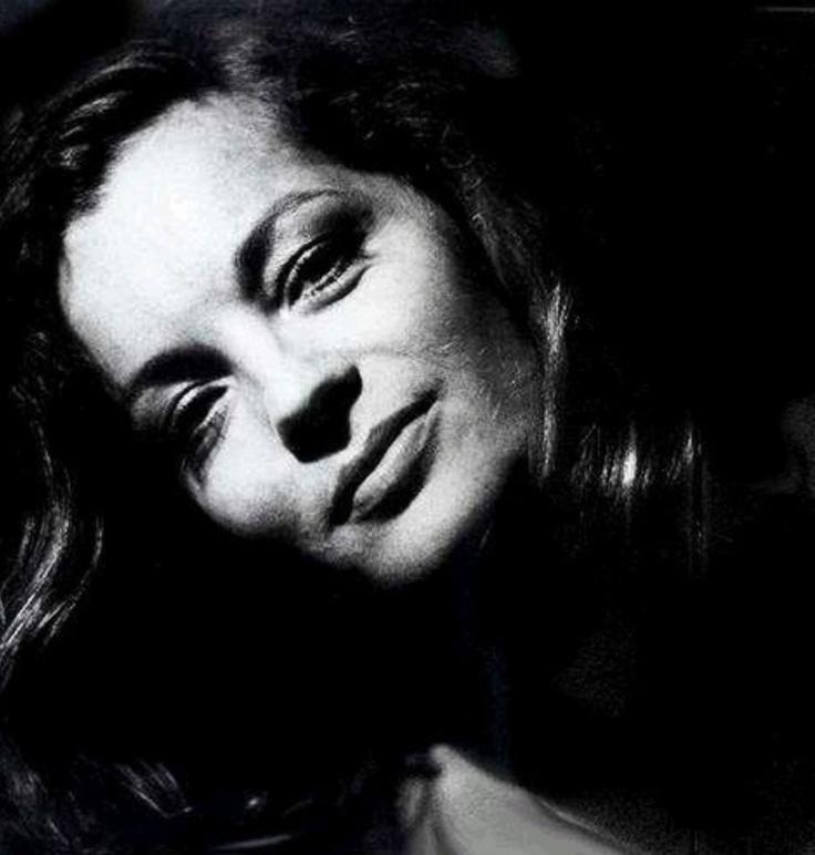Helga Kneidel • Romy Schneider in Paris Mai 1973 # 6