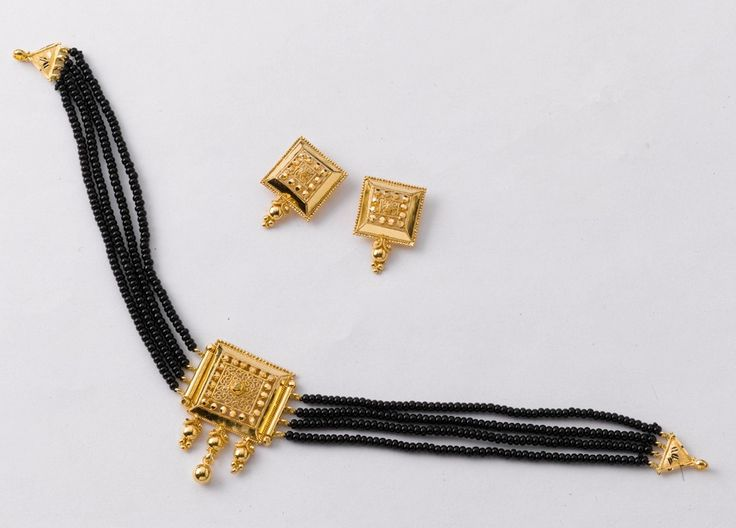 Adorn Yourself...  Choker: Weight - 7 gm, price Rs. 22450/- Earring: Weight - 5 gm, price Rs. 16200/-