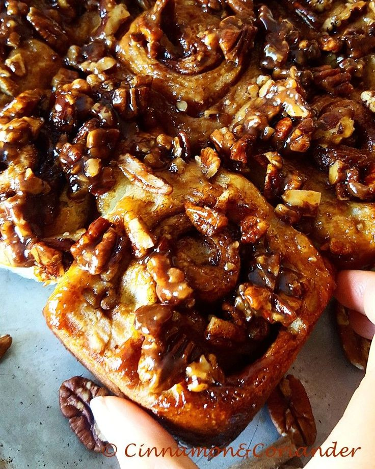 World´s Best Caramel Sticky Buns - Cinnamon&Coriander