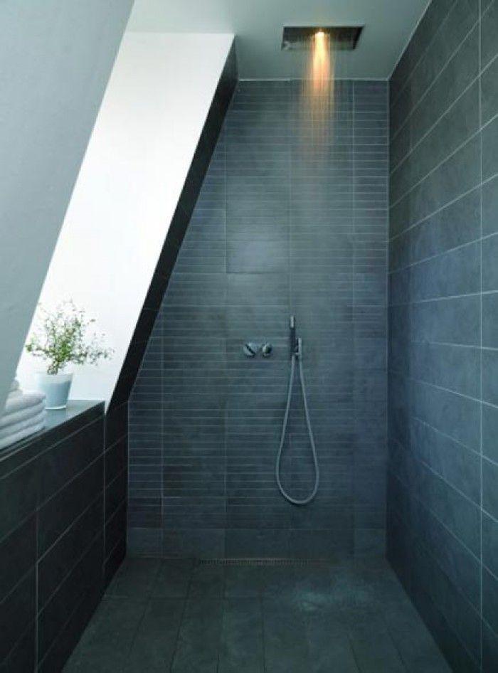 Toffe douche onder schuin dak