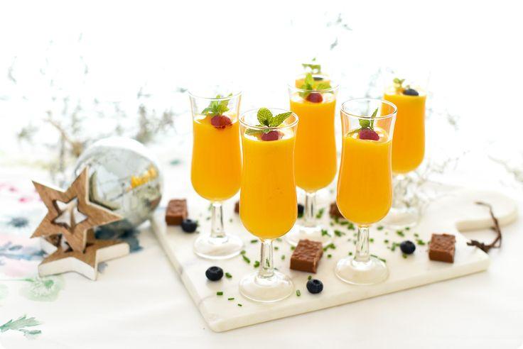 Sorbete de mango y naranja con un poco de  ginebra