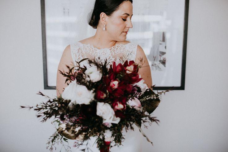 Hotel Realm Wedding   Canberra Wedding Photographer   Moxom & Whitney Bouquet