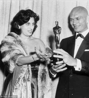 """1957 Oscars: Anna Magnani & Yul Brynner, Best Actor 1956 for """"The King and I"""""""