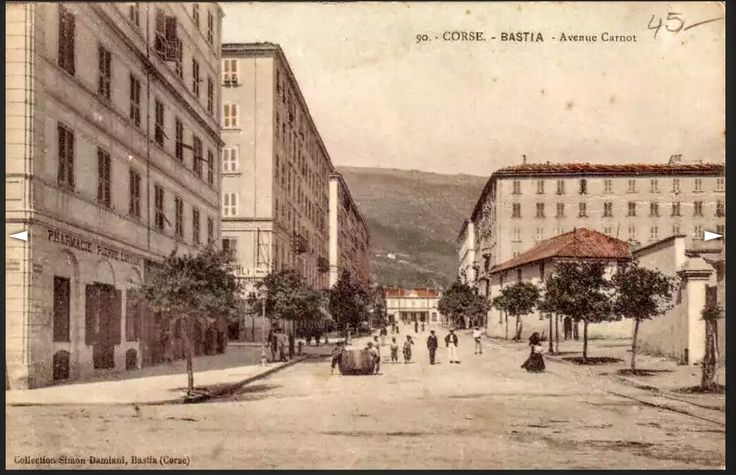 Avenue Carnot.
