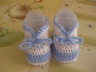 Schemi neonato: Schemi a maglia e all'uncinetto per bambini - Corredino a maglia e uncinetto - NostroFiglio.it
