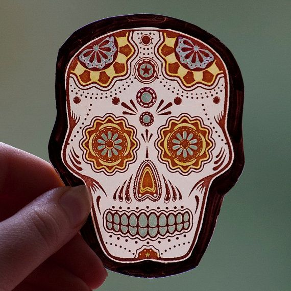 Mexican skull, kiln-fired glass motif. For sale at the Etsy shop of Stained Glass Elements. Mexicaanse schedel, gebrandschilderd glas ornament, sugar skull,  handgeschilderd, schedel gebrandschilderd glas, schedel glas ornament, art...
