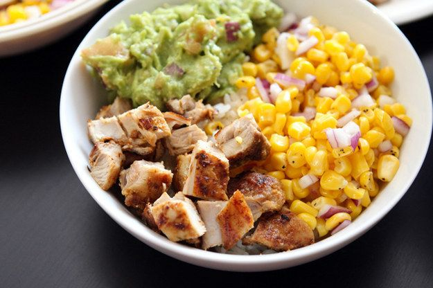 Chipotle's Chicken Burrito Bowl | 30 Copycat Recipes For Your Favorite Chain Restaurant Foods http://www.tablefortwoblog.com/take-out-fake-out-burrito-bowls/
