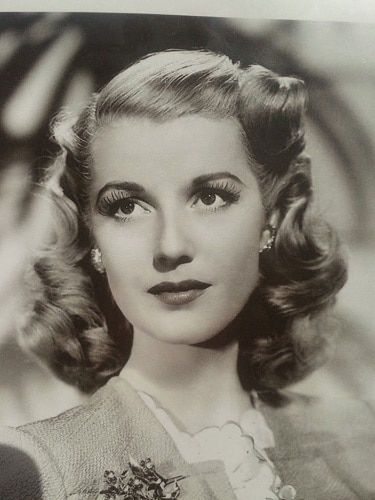 30 Old-fangled Hairstyles from 1930s Trending Again   1930s fashion ...