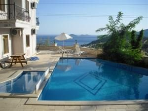 #Otel #Oteller #OtelRezervasyon - #Antalya, #Kaş - Deniz Apartment Kalkan Kaş - http://www.hotelleriye.com/antalya/deniz-apartment-kalkan-kas -  Genel Özellikler Bahçe, Teras, Aile Odaları, Klima, Güneş Terası Otel Etkinlikleri Barbekü Olanağı, Açık Yüzme Havuzu (sezonluk) Otel Hizmetleri Araba Kiralama, Transfer Servisi (ücretli), Havaalanı Servisi (ek ücrete tabi) İnternet Bağlantısı İnternet İnternet erişimi yoktur. Otopark Otopark Üc...
