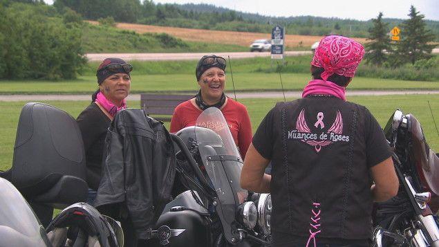 #Rouler à moto pour financer la cause du cancer du sein - ICI.Radio-Canada.ca: ICI.Radio-Canada.ca Rouler à moto pour financer la cause du…