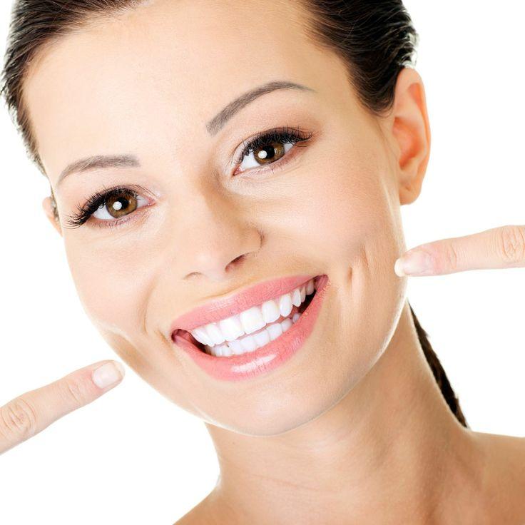Bacteriile din placa dentara reprezinta principala cauza a bolilor parodontale si, cu timpul, se transforma in tartru.  Detartrajul facut o data la 6 luni presupune:  • Indepartarea tartrului supra-gingival si sub-gingival • Indepartarea placii bacteriene • Indepartarea colorantilor/ petelor de pe dinti  In cazul fumatorilor este indicat ca detartrajul sa fie facut o data la 3 luni.  Pentru detalii si programari: 0723.726.125 / 031.805.9027 / contact@gentledentist.ro