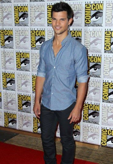 Taylor Lautner... even if he does kind of look like an alpaca. Paper bags were invented for a reason.