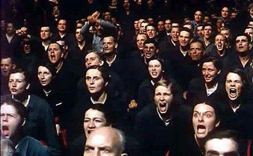 """""""I preparativi per la Settimana dell'Odio erano in pieno fervore e l'intero personale dei Ministeri prestava la sua opera volontaria al di fuori dell'orario di lavoro. Si dovevano organizzare cortei, riunioni, parate militari, conferenze, apprestare pannelli didascalici in cera, preparare spettacoli"""