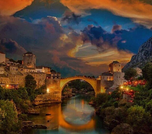 Magical sky and sunset over 16th century Old Bridge in Mostar. Visit our website: www.tourguidemostar.com  #worldcaptures #beautifuldestinations #PassionPassport #WorldPlaces #travel #travelstoke #instatravel #wanderlust #traveling #travelphoto #travelblog #TravelAwesome #DarlingWeekend #bbctravel #DameTraveler #travelingram #tourguidemostar #bosniaandherzegovina #followforfollow