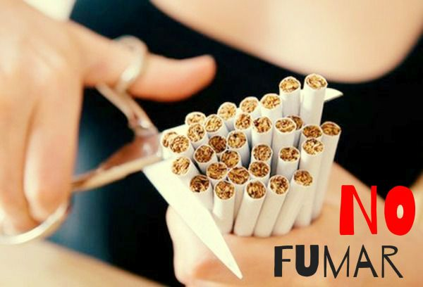 NO fumo, no me gusta el olor ni el sabor. Me parece un hábito desagradable, pero respeto a las personas que lo hacen, mientras ellas me respeten.
