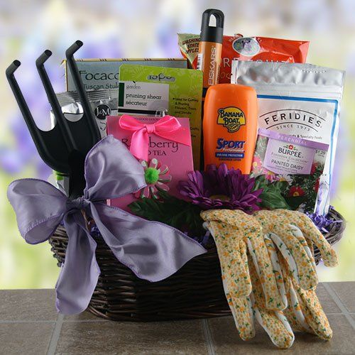 Garden party gardening gift basket http mygourmetgifts for Best gifts for gardeners