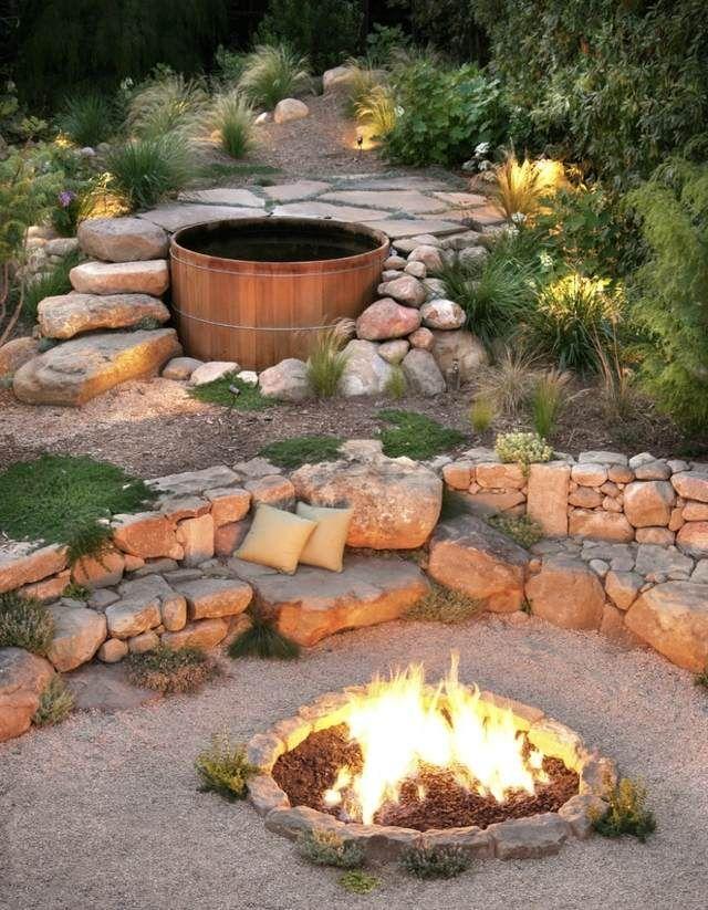 Badefass Badespaß Feuerstelle Garten Sitzbank Steine
