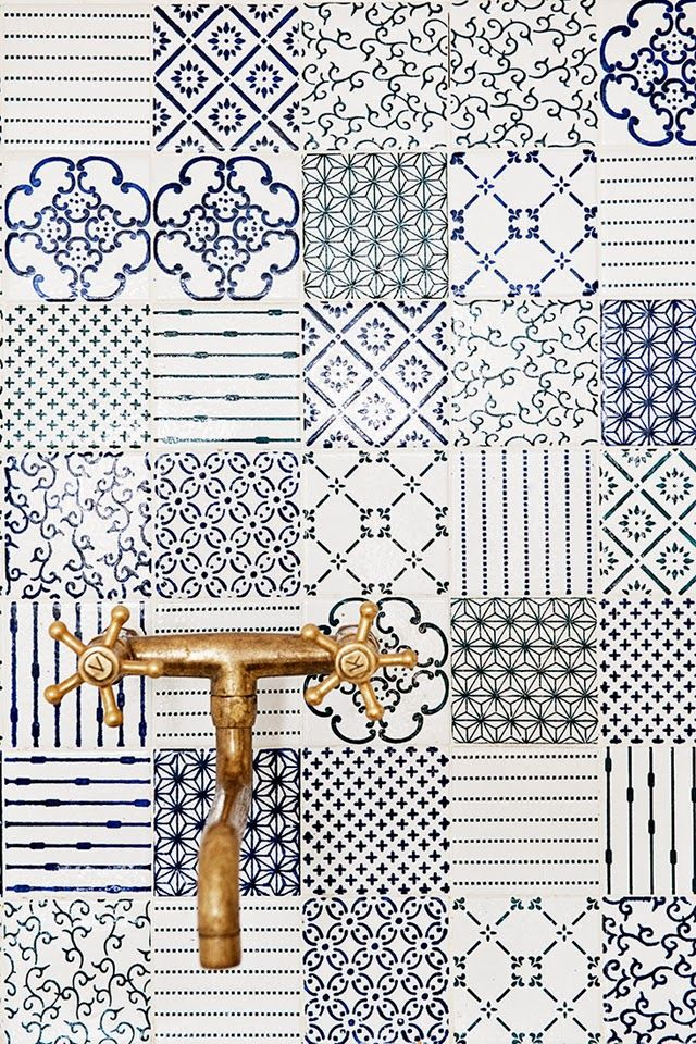 Such beautiful tile work (from here). Can't help but dream of a lovely new kitchen.