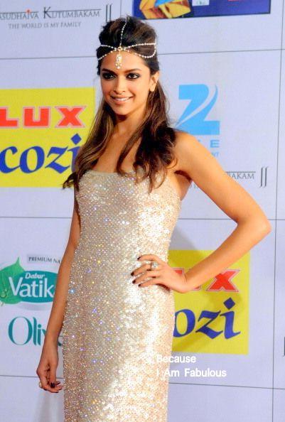 Deepika Padukone looks stunning at the Zee Cine Awards 2014