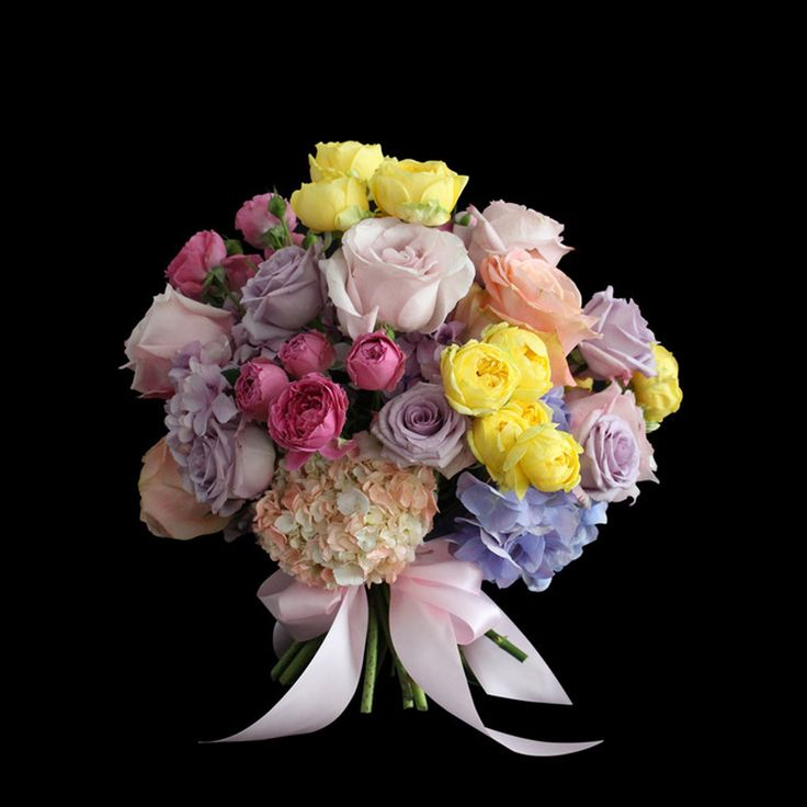 Absolute Flowers and Home. London luxury furniture, home decorating ideas and online flowers delivery.