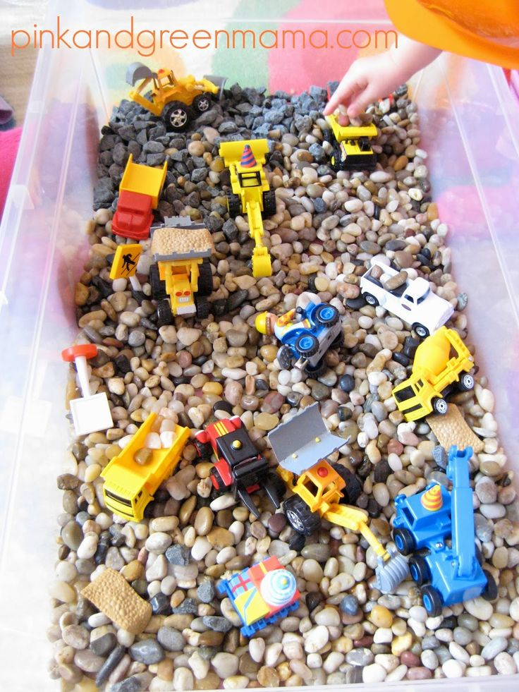 No more sand and water table mess, I'm gonna do sand and pebbles! Construction Themed Sensory Box : Under Construction - Hard Hat Area!