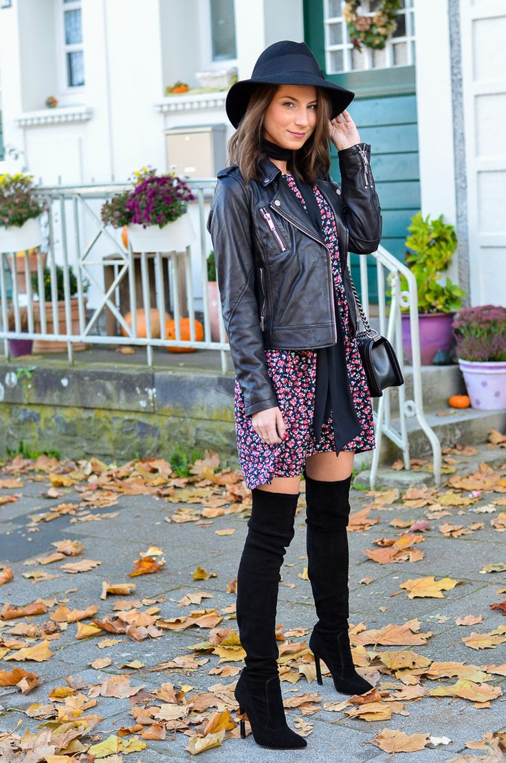 OUTFIT PETITE FLEUR – BLUMENKLEID & ZARA OVERKNEE BOOTS - I was wearing a Patrizia Pepe hat, a floral dress and leatherjacket from Reserved, my new Zara over the knee boots and my Chanel Boy Bag