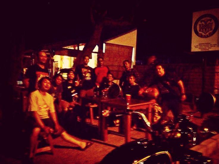kumpul2 di sekretariat HMT Bali