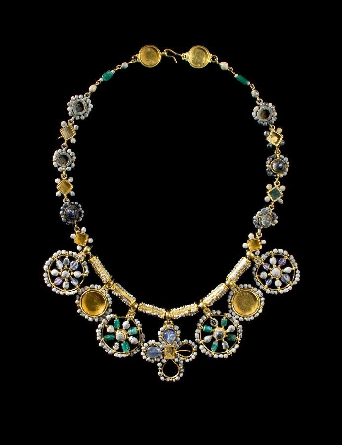 Princely Necklace with Large Pendants. Byzantine. Period : 6th – 7th century A.D. Material : Gold, beads, sapphires, emeralds, amethysts and glass paste. | © Phoenix Ancient Art 2011