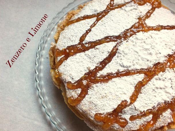 La torta Cremona è un dolce con un croccante guscio di pasta frolla ed un morbido ripieno ricco di mandorle, tipico della mia città