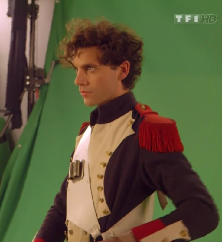 Mika, les Enfoires  (vid link not found)