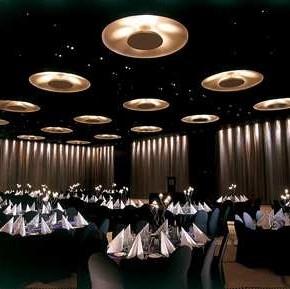 Google Image Result for http://www.australiatravelguide360.com/wp-content/uploads/2012/01/Hilton-Adelaide-restaurant-290x289.jpg