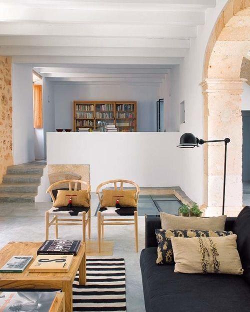 via http://lorilangille.blogspot.com/2012/04/calm-retreat.htmlDecor, Traditional Modern, Harmony House, Livingroom, House Interiors, Interiors Design, Living Room, Traditional Home, Modern House