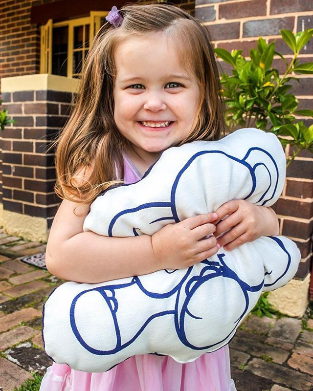 Diddy pillow cuddles. #dreamwonderland #pillowsforkids #cushionsforkids #babysleep #kidssleep #lullabymusic #babylullaby #newbornsleep #gotosleepbaby #gotosleepchild #goodnightsleeptight