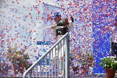 Para Maison Mumm y Usain Bolt el New York ePrix fue una oportunidad para atreverse ganar y celebrar    NUEVA YORK Julio 2017 /PRNewswire/ -Para Maison Mumm y su nuevo responsable de entretenimiento Usain Bolt el New York ePrix fue una oportunidad para atreverse ganar y celebrar Como socio oficial del nuevo y emocionante circuito de Formula E de automovilismo Maison Mumm trajo su licor de firma Dare Win Celebrate a Nueva York el fin de semana pasado para las carreras novena y décima en…