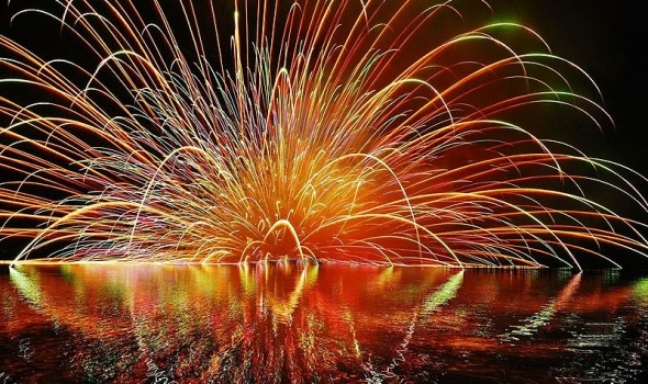 Fireworks when rent cottage are a great way to enjoy time with family and friends during long weekend cottage rentals.
