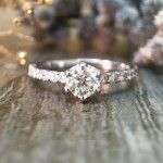 Unique, vintage and cheap Wedding Rings for Women. The best wedding rings for her with different prices and looks from princess cut to wedding band sets. - http://www.ringtoperfection.com/wedding-rings-for-women/