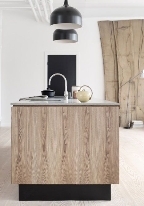 #interior design #kitchens #modern #minimal #wooden cabinetry #black and wood contrasts #kitchen island