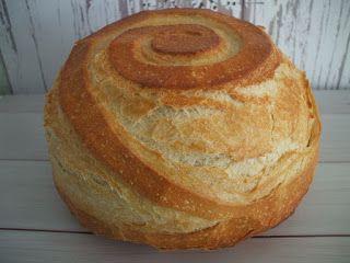 Többféle receptet kipróbáltam már, de leggyakrabban ezt a változatot sütöm. Hátha ti is kedvet kaptok a kenyérsütéshez. Valaha én sem hittem...